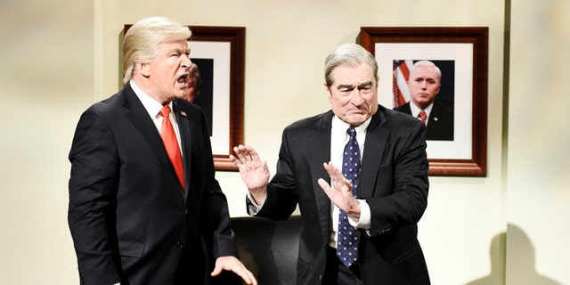 """SATURDAY NIGHT LIVE -- """"Sandra Oh"""" Episode 1762 -- Pictured: (l-r) Alec Baldwin as Donald Trump and Robert De Niro as Robert Mueller during the """"Mueller Report"""" Cold Open on Saturday, March 30, 2019 -- (Photo by: Will Heath/NBC)"""