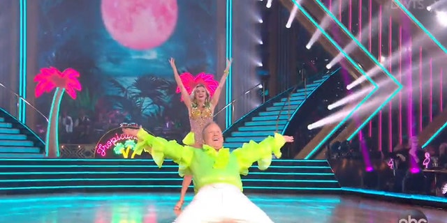 Westlake Legal Group Sean-Spicer-ABC Sean Spicer debuts on 'Dancing With the Stars' shimmying to Spice Girls song in neon-green ruffled shirt Talia Kaplan fox-news/politics fox-news/odd-news fox-news/entertainment/media fox-news/entertainment/dancing-with-the-stars fox news fnc/entertainment fnc article 13e8c98e-d4fb-5b9f-8ee0-317fedb6795d