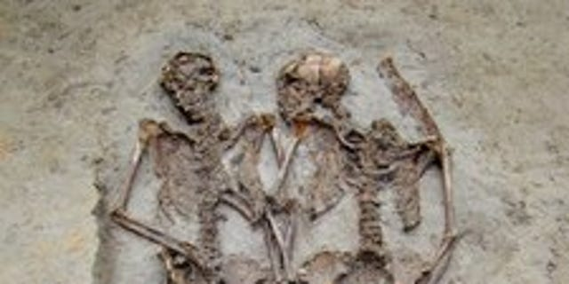 'Lovers of Modena': Two Ancient Skeletons Buried Holding Hands Were Men