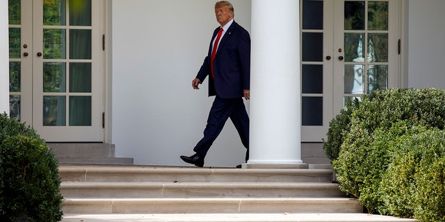 President Donald Trump walks to the Oval Office of the White House in Washington, Thursday, Sept. 26, 2019, as he returns from attending the United Nations General Assembly in New York. (AP Photo/Carolyn Kaster)