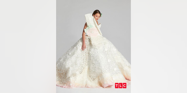 Westlake Legal Group Untitled-design-7 TLC's 'Toilet Paper Wedding Dress Challenge' host Paige Davis, contestant Lindsay Hinz talk TP: 'Bizarre' fox-news/style-and-beauty fox news fnc/lifestyle fnc article Alexandra Deabler 3fae3cc2-2d38-5d07-a63b-29d2788fddd7