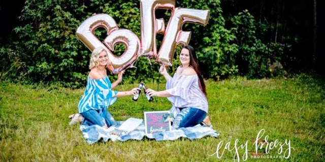 Samantha Clark and Christina Arthur of South Carolina women recently celebrated their 23-years of friendship with a photo shoot full of special mementos, in a post that has since gone viral on Facebook.