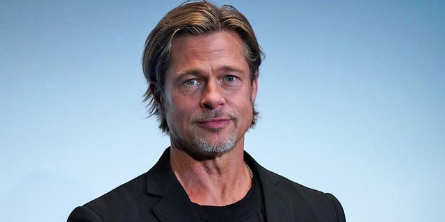 Brad Pitt poked fun at the British royals during his BAFTA acceptance speech.