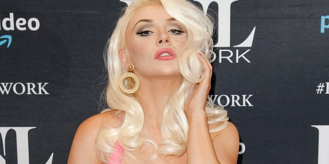 Courtney Stodden encouraged her fans to vote while posting photos in a bikini and Donald Trump mask on Instagram.