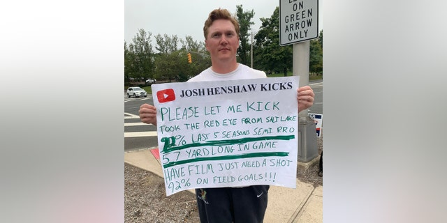 Westlake Legal Group kick2-1 New York Jets kicker tryouts sees Utah man go for chance at pros: 'I am standing out here with my sign' Paulina Dedaj fox-news/sports/nfl/new-york-jets fox news fnc/sports fnc article 1227466b-45d4-539d-aa0b-ffc4874adea1
