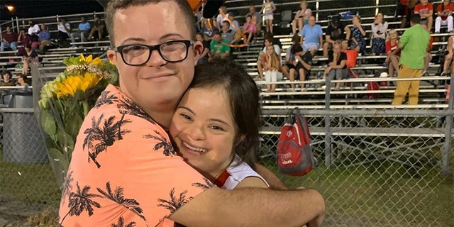 Video captured the sweet momentwhen a Florida teenager,David Matthew Cowan, asked his long-time girlfriend, Saris Marie Garcia, who both have Down syndrome, to homecoming on Thursday.