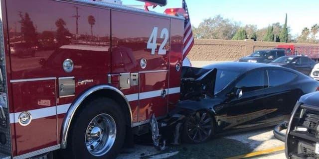 Westlake Legal Group tesla-crash NTSB report says California Tesla driver was using Autopilot when he hit a firetruck fox-news/us/us-regions/west/california fox-news/auto/make/tesla fox-news/auto/attributes/safety fox-news/auto/attributes/innovations fox-news/auto/attributes/electric fnc/auto fnc cecdc883-86c6-5e65-bda3-47c92fabde54 Associated Press article