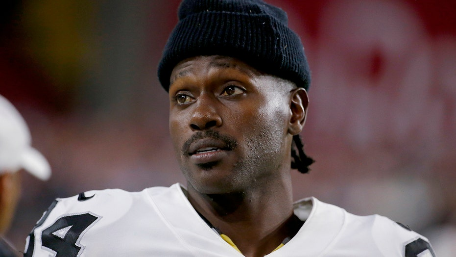 Antonio Brown Films Profanity Laced Tirade At Ex Girlfriend Police In Front Of His Kids Outside Florida Home Fox News