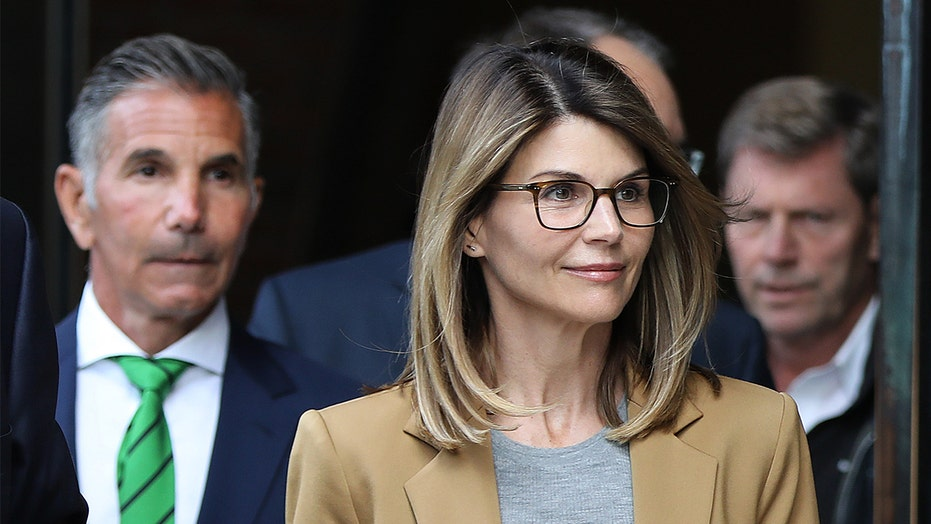 Lori Loughlin granted return of passport by judge in college admissions case