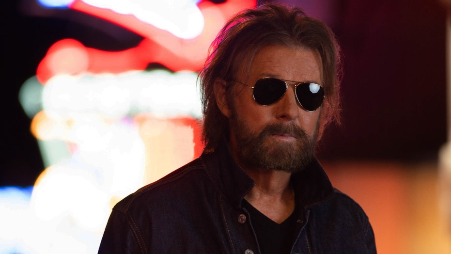 Ronnie Dunn admits he 'blew off' music exec 'at first