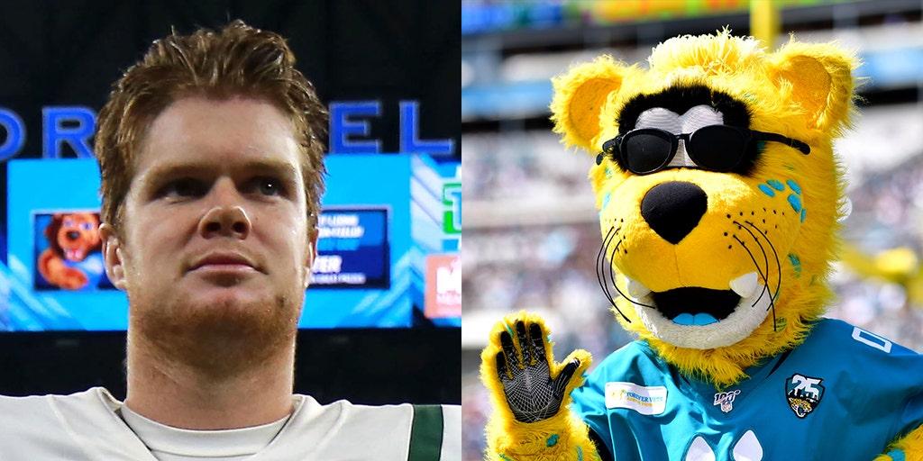 Jaguars Troll Jets Quarterback Sam Darnold With Mascot S