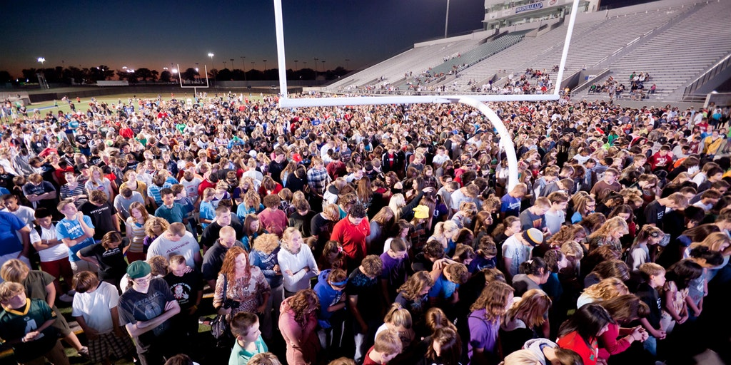 Over 200,000 students expected to 'stand for Christ' on football fields across the nation