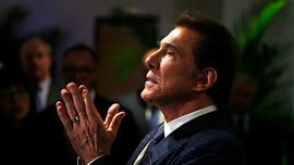 Steve Wynn faces ban from casino industry after Nevada gambling regulators file complaint