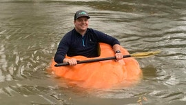Tennessee farmer turns giant 910-pound pumpkin into kayak