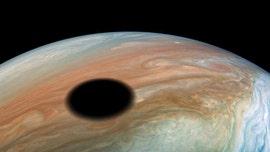 'Warm Jupiter' exoplanet found
