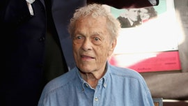 Scotty Bowers, 'male madame' to the stars, is dead at 96