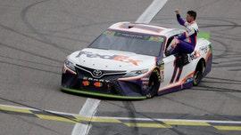 Hamlin wins Kansas NASCAR race, final eight set