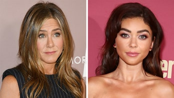 Sarah Hyland praises 鈥榝ake mama鈥� Jennifer Aniston joining Instagram with image from 1998 film together