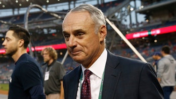 MLB Commissioner Rob Manfred warned Oakland officials about Athletics move to Las Vegas, mayor says