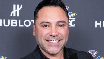 Oscar De La Hoya is making a boxing comeback: 'I miss being in the ring'