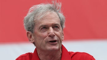 Chicago Blackhawks announcer Pat Foley apologizes for making racially insensitive remark about player: report