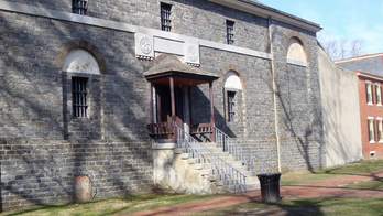 Halloween-loving couple to marry at 'haunted' New Jersey prison that doubles as wedding venue