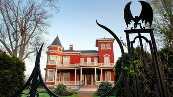 Stephen King to turn Maine home into museum, writers' retreat