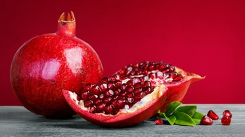 'Beautiful' pomegranate-cutting video goes viral on Twitter: 'This is life changing!'