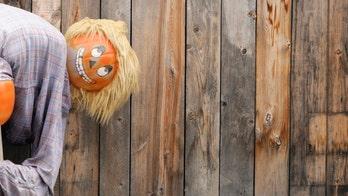 Homeowner censors Halloween decoration after HOA found the mooning pumpkin man offensive