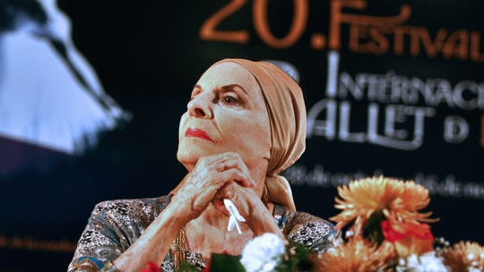Alicia Alonso, Cuban ballet legend, is dead at 98