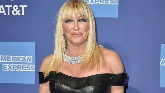 Suzanne Somers on nude birthday snap backlash: 'It was very hot'