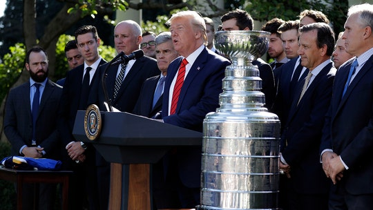 Trump jokes with St. Louis Blues' Alexander Steen during Stanley Cup ceremony