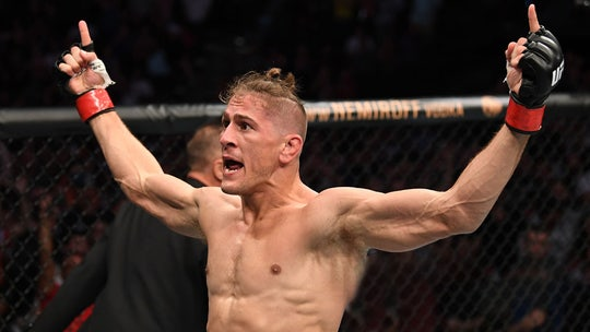 Niko Price delivers brutal upkick to James Vick for first-round knockout at UFC Fight Night 161