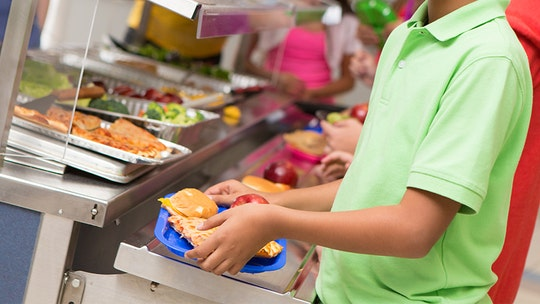 California bills seeks to ban 'lunch shaming,' will guarantee state-funded meals for students