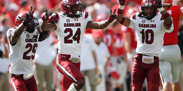 Westlake Legal Group AP19285730301045 South Carolina shocks No. 3 ranked Georgia in double overtime fox-news/us/us-regions/southeast/south-carolina fox-news/sports/ncaa/georgia-bulldogs fox-news/sports/ncaa-fb fox news fnc/sports fnc David Aaro article 0a175497-7805-5865-84e9-0560fa887781