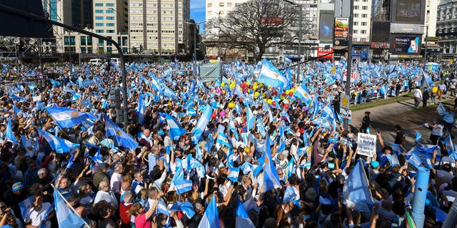Supporters of Argentina's President Mauricio Macri gather for a final campaign rally in Buenos Aires, Argentina, Saturday, Oct.19, 2019.