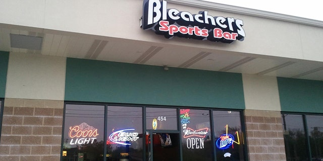 An image of Bleachers Bar and Franks in O'Fallon, Missouri.