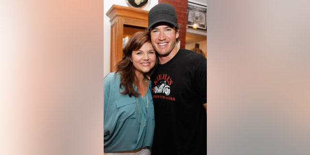 Tiffani Thiessen and Mark-Paul Gosselaar have remained close over the years.