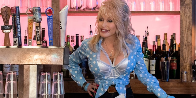 "Dolly Parton appears as Babe in ""Dolly Parton's Heartstrings"" for Netflix."