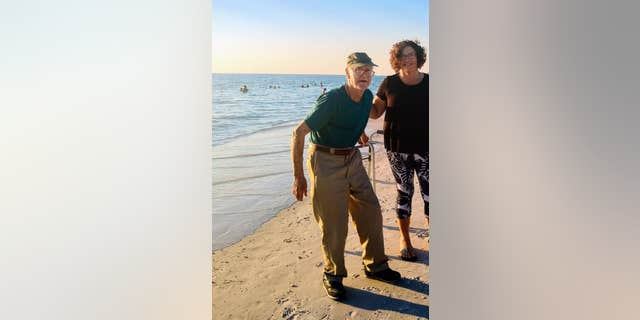 The pair visited Anna Maria Island where Fisher was able to take in the sun and surf.