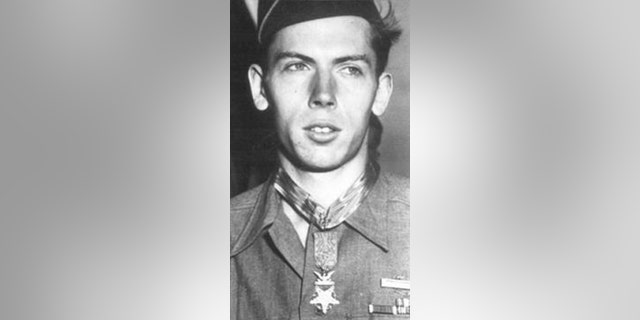 Francis Currey, one of the three living World War II Medal of Honor recipients has died. He was 94.