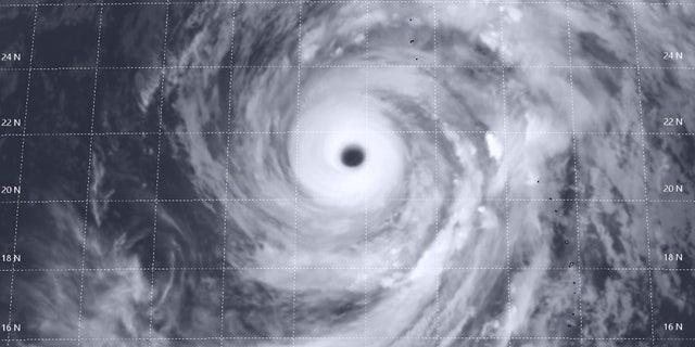 Super Typhoon. </p><div><script async src=