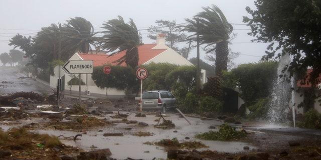 Westlake Legal Group Lorenzo4 Hurricane Lorenzo lashes Azores with high waves, heavy rain as storm takes aim at British Isles Travis Fedschun fox-news/world/world-regions/europe fox-news/world/disasters/hurricanes-typhoons fox-news/world/disasters fox-news/weather fox-news/us/disasters/hurricanes-typhoons fox news fnc/world fnc be5690f6-7b92-55f0-8b4b-e506e3f9913a article