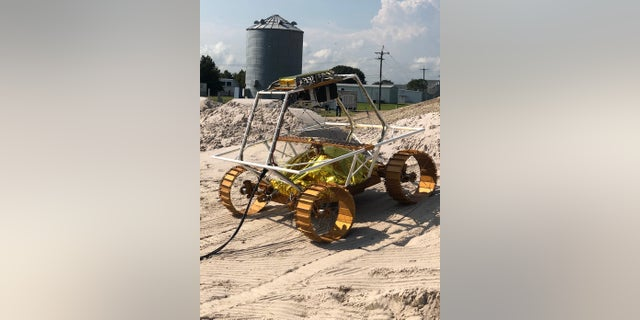 A VIPER mobility testbed, an engineering model created to evaluate the rover's mobility system. (Credits: NASA/Johnson Space Center)