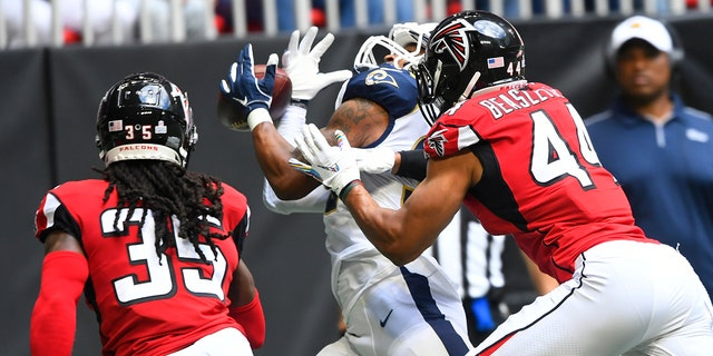 Westlake Legal Group NFL-Todd-Gurley4 Los Angeles Rams' Todd Gurley makes over-the-shoulder catch in return from injury Ryan Gaydos fox-news/sports/nfl/los-angeles-rams fox-news/sports/nfl fox news fnc/sports fnc article 65b29fc6-66d4-50f6-8593-a2a7f1651f31