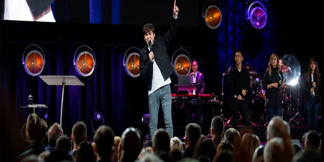 Westlake Legal Group NYC-HULU4 Why Pastor Joseph Prince takes communion daily -- and his 'simple' message for America fox-news/world/religion/christianity fox-news/world/religion fox-news/us/religion/christianity fox-news/travel/vacation-destinations/washington-dc fox-news/travel/vacation-destinations/new-york-city fox-news/travel/vacation-destinations/los-angeles fox-news/topic/talking-faith fox-news/good-news fox-news/faith-values/faith fox news fnc/faith-values fnc d1e343fc-b61e-5f34-be68-32f9ecb6249f Caleb Parke article