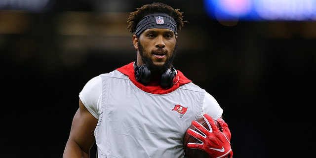O.J. Howard #80 of the Tampa Bay Buccaneers warms up before a game against the New Orleans Saints at the Mercedes Benz Superdome on October 06, 2019 in New Orleans, Louisiana. (Photo by Jonathan Bachman/Getty Images)