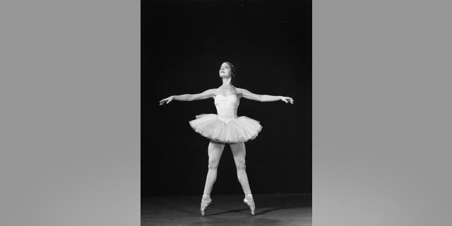 Ballerina Alicia Alonso executing a releve in second position. (Photo by Gjon Mili/The LIFE Picture Collection via Getty Images)