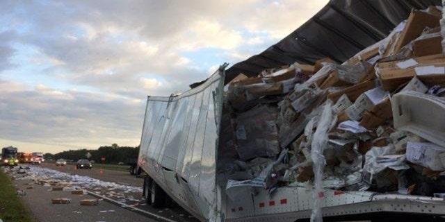 Westlake Legal Group cmv1 Florida interstate scattered with mail after tractor-trailer crashes into another tractor-trailer Nicole Darrah fox-news/us/us-regions/southeast/florida fox-news/us/disasters/transportation fox-news/us/crime fox news fnc/us fnc article 98632c9a-c128-5ecf-8bdf-6e8f67d673cb
