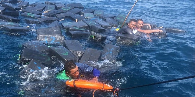Westlake Legal Group drug-smugglers-2-Colombia-Navy Suspected drug smugglers clung to floating bales of cocaine for hours in shark-infested waters: cops Travis Fedschun fox-news/world/world-regions/latin-america fox-news/world/world-regions/americas fox-news/world/crime fox-news/us/crime/drugs fox news fnc/world fnc article abfb8e3b-7ffd-5a60-9df8-7058d2bf1a77